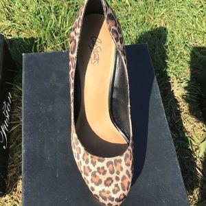 Cheetah print pumps